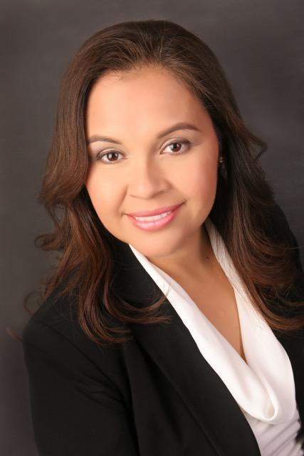 Portrait of Veronica Castillo-Muñoz