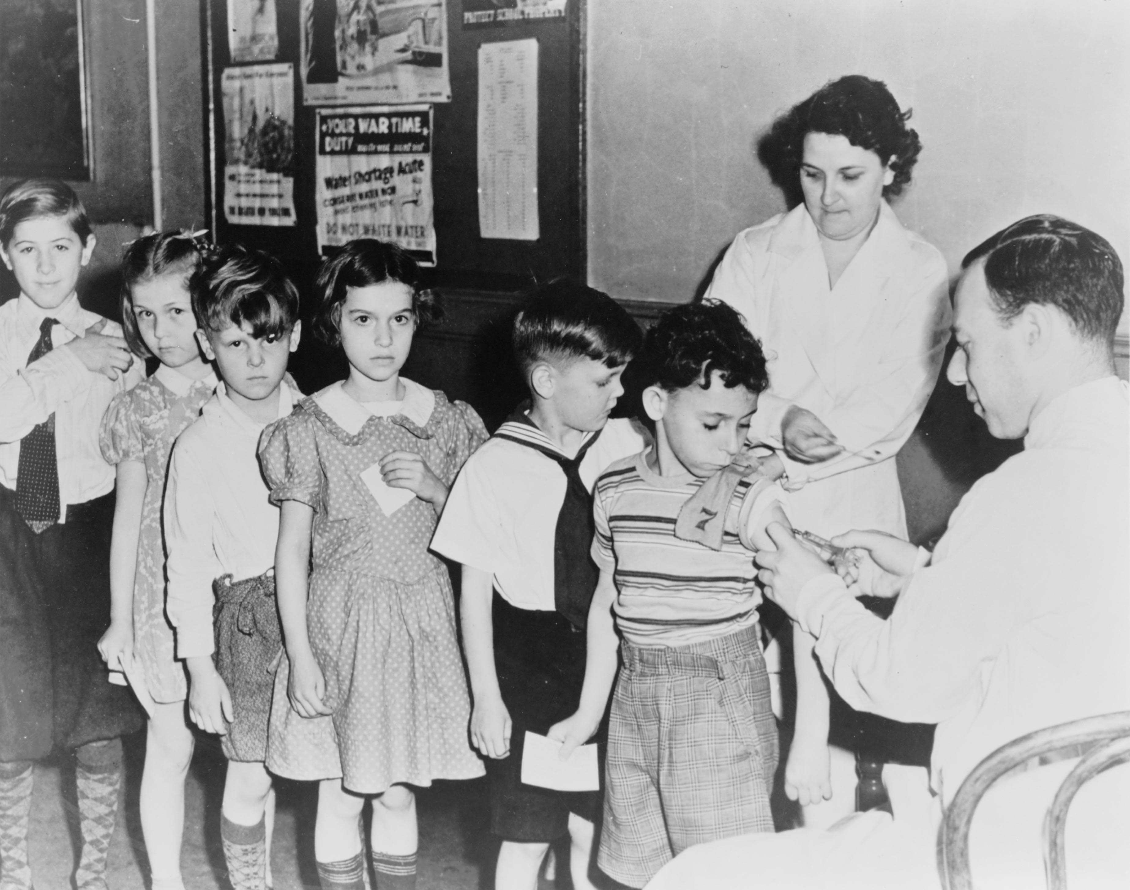 polio an american story by david Polio: an american story (david m oshinsky) (2006) isbn: 9780195307146 - , satisfaction 100% guaranteed paperback - bücher online finden vergleichen kaufen .