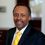 A photo of OAH President Earl Lewis